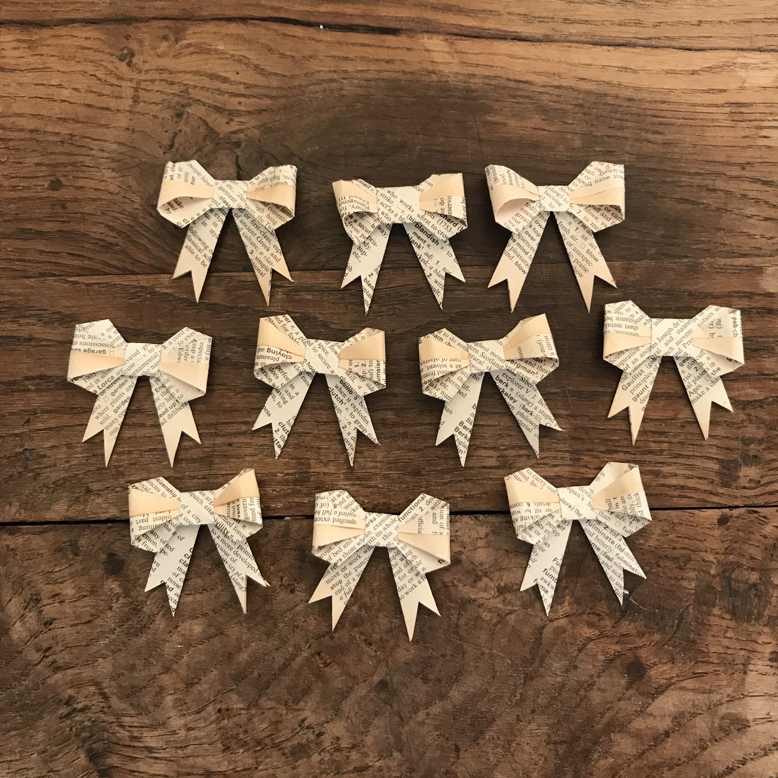 Book Page Bows - 10